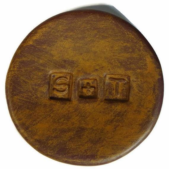 custom-monogram-dish