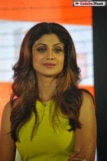 Shilpa Shetty Pictures in Yellow Dress at Kundra Awarded Yummy Mummy Award Event ~ Celebs Next