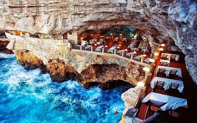 Restaurante Grotta Palazzes – Puglia - Itália