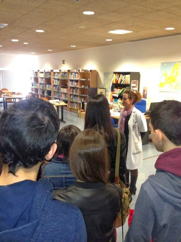 visita de alumnos de bachillerato a la Biblioteca General.