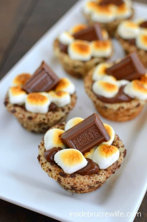 10 Ways To Eat S'mores Without A Campfire; s'mores cookie cups