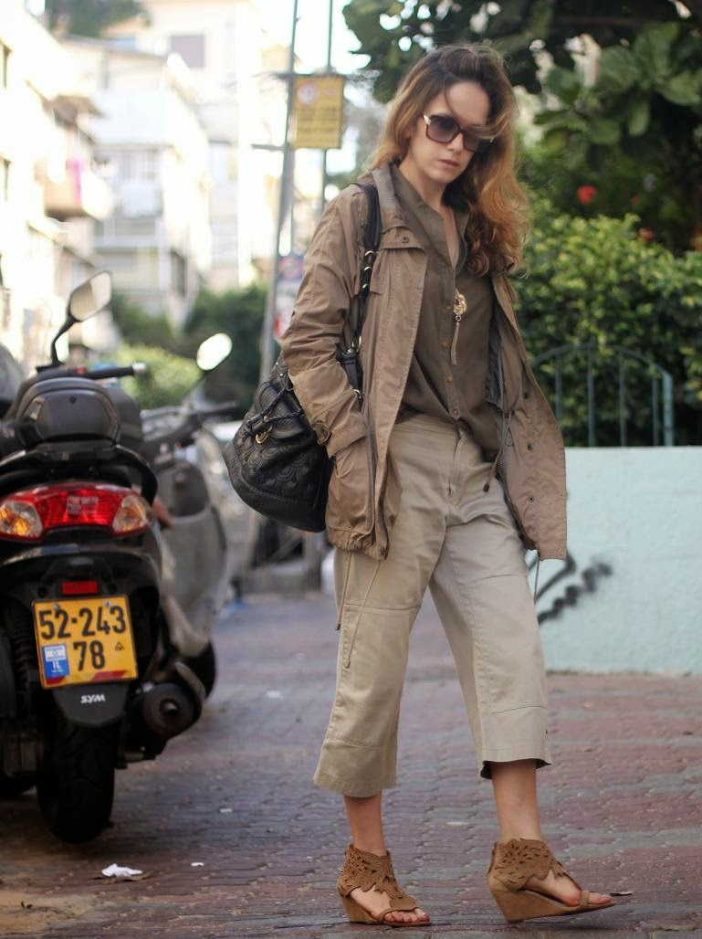 totalwhitelook, capri, khaki, lookoftheday,ss14, streetstyle, outfit, fashionblog, אופנה, בלוגאופנה