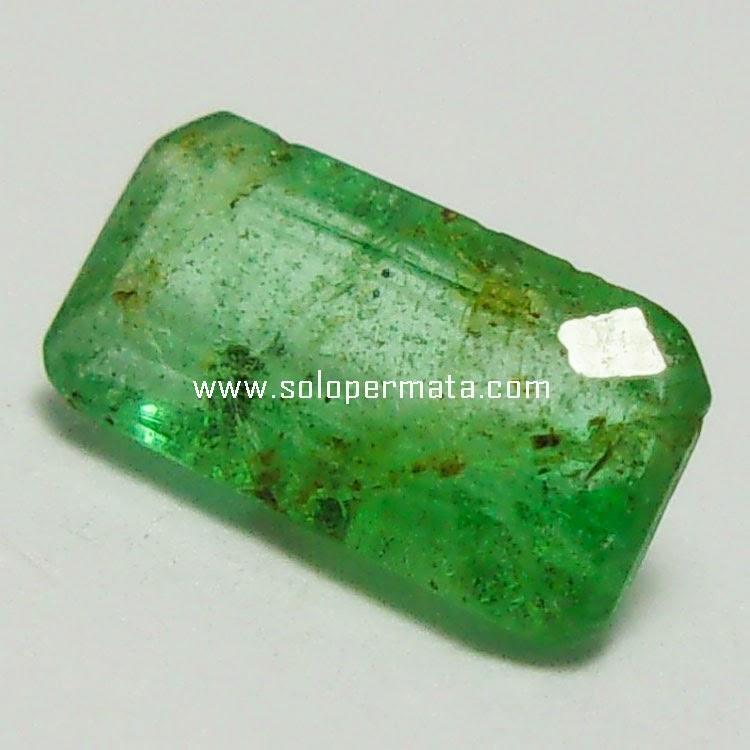 Batu Permata Zamrud Emerald Beryl - 26A06