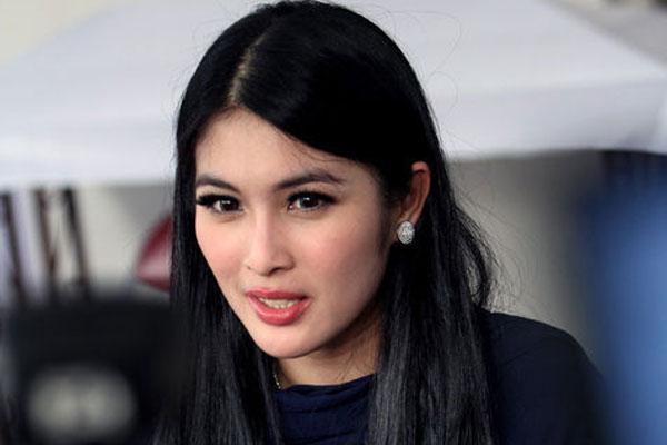 """Kata """"Sandra Dewi"""" Tentang Belanja Fashion Mahal"""