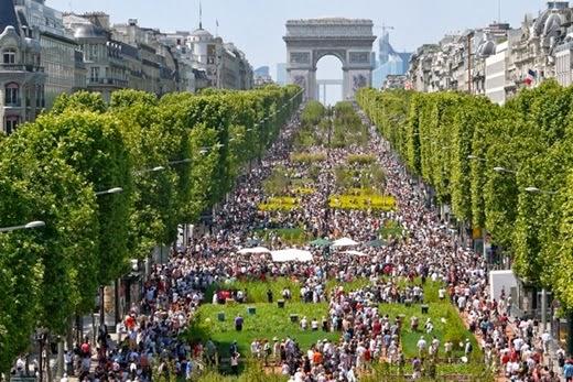 Champs Elysees Road Arc de TriompheParis