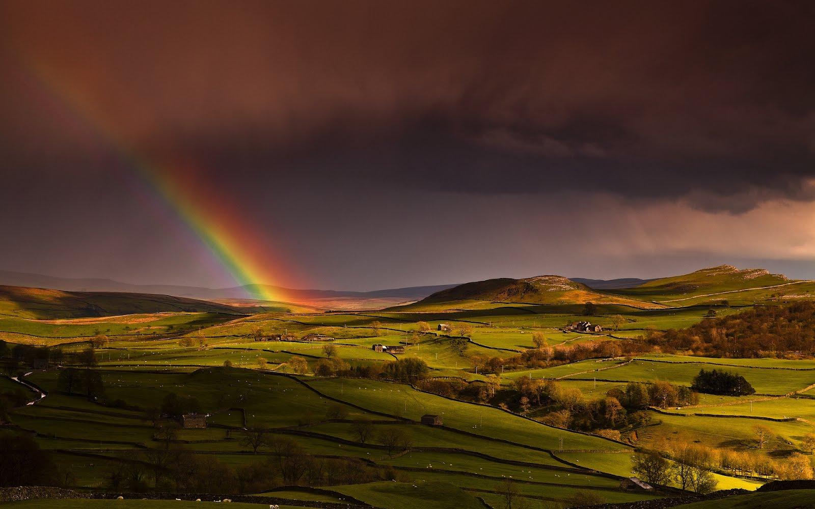 http://4.bp.blogspot.com/-aLRNNqyDZpo/T-nk90LhW3I/AAAAAAAA9rE/JCWB0cBPLWs/s1600/rainbow-landscape-1920x1200-wallpaper-arcoiris-sobre-el-paisaje.jpg
