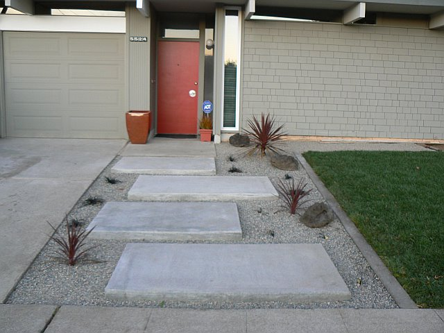 Braxton and yancey patio culture and mid century landscaping for Modern landscaping ideas for front yard