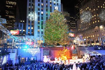 Este es la vista del arbol Rockefeller con mucha gente