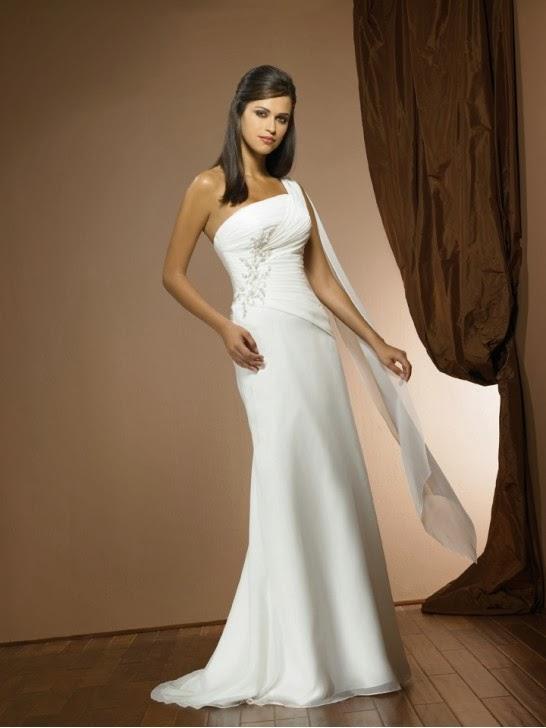 Mariage et collections: Les robes de mariée fourreaux