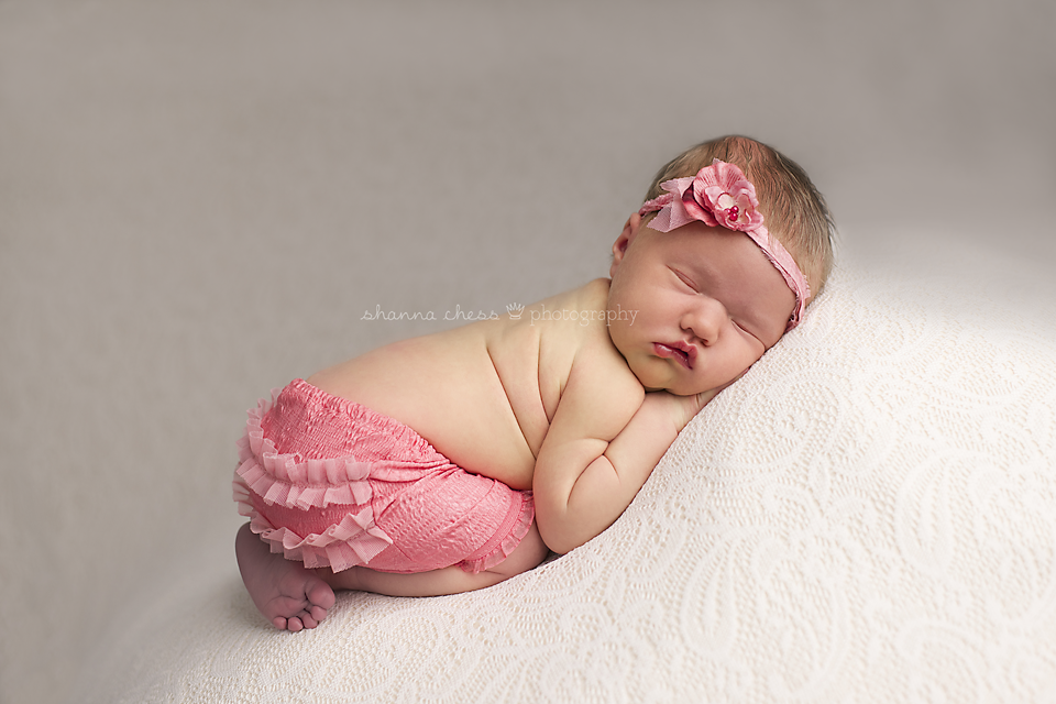 Eugene, OR Newborn Photography pink skirt