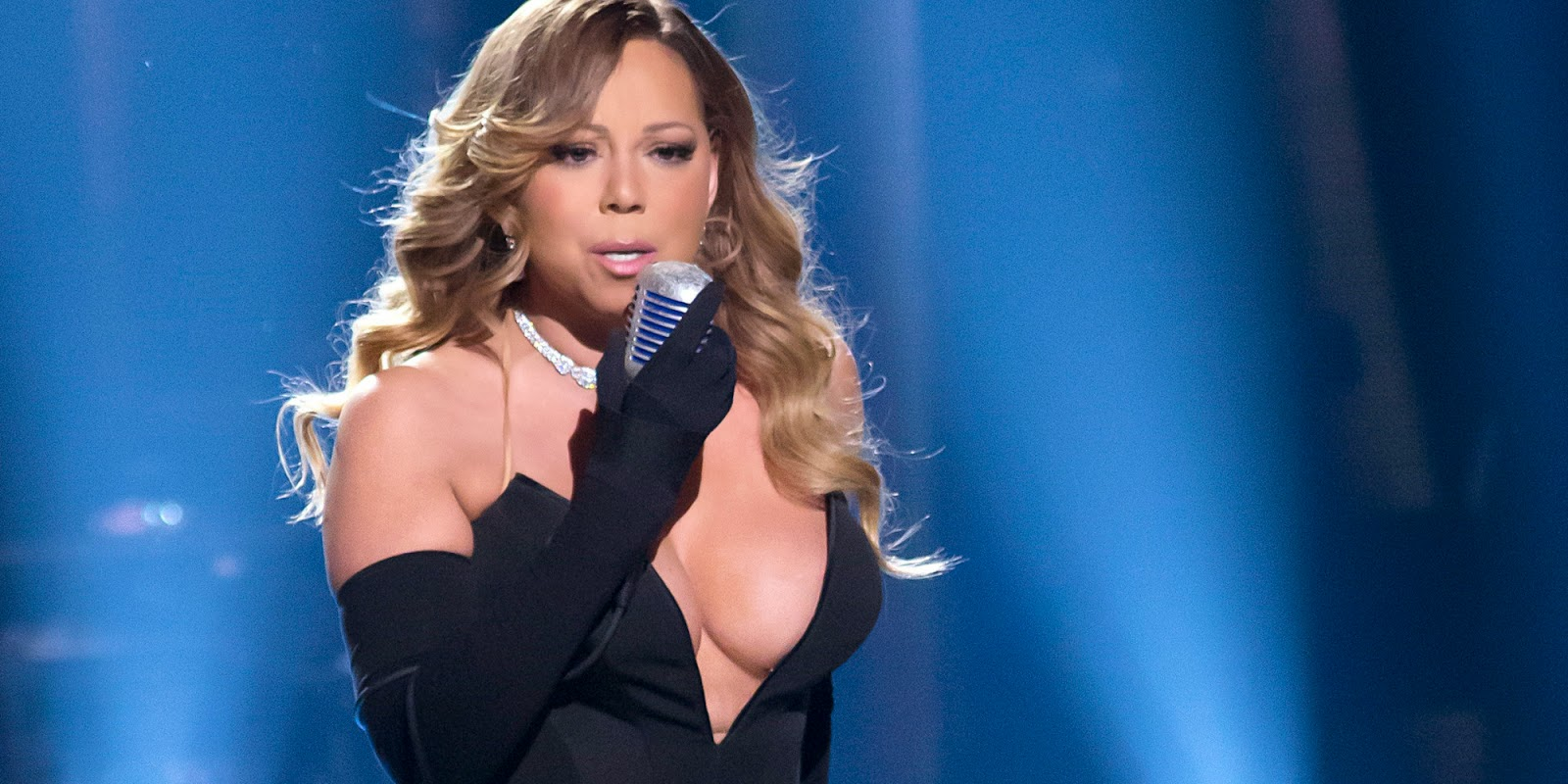 Mariah Carey Yang Bikin Panas Ketika Konsert