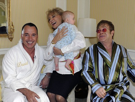 the facemash post - Lady Gaga Jadi Ibu Baptis dan Pembimbing Putra Elton John. Bad (or Good) Romance? - David Furnish dan Elton John
