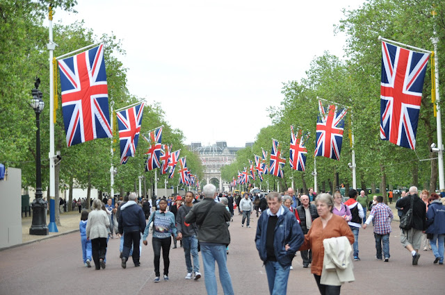 Queen+Jubilee+celebration+The+Mall+Union+Jack+Flags