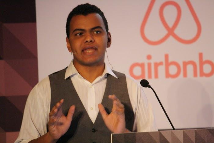 Arturo Paniagua - Presentador EBE