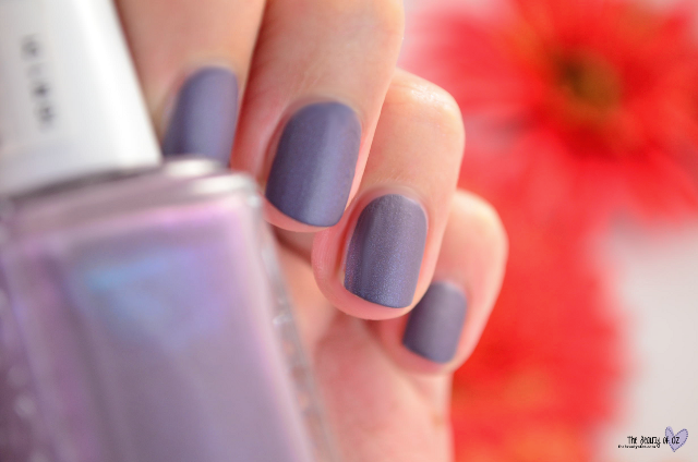 Swatches essie Cashmere Matte COAT COUTURE