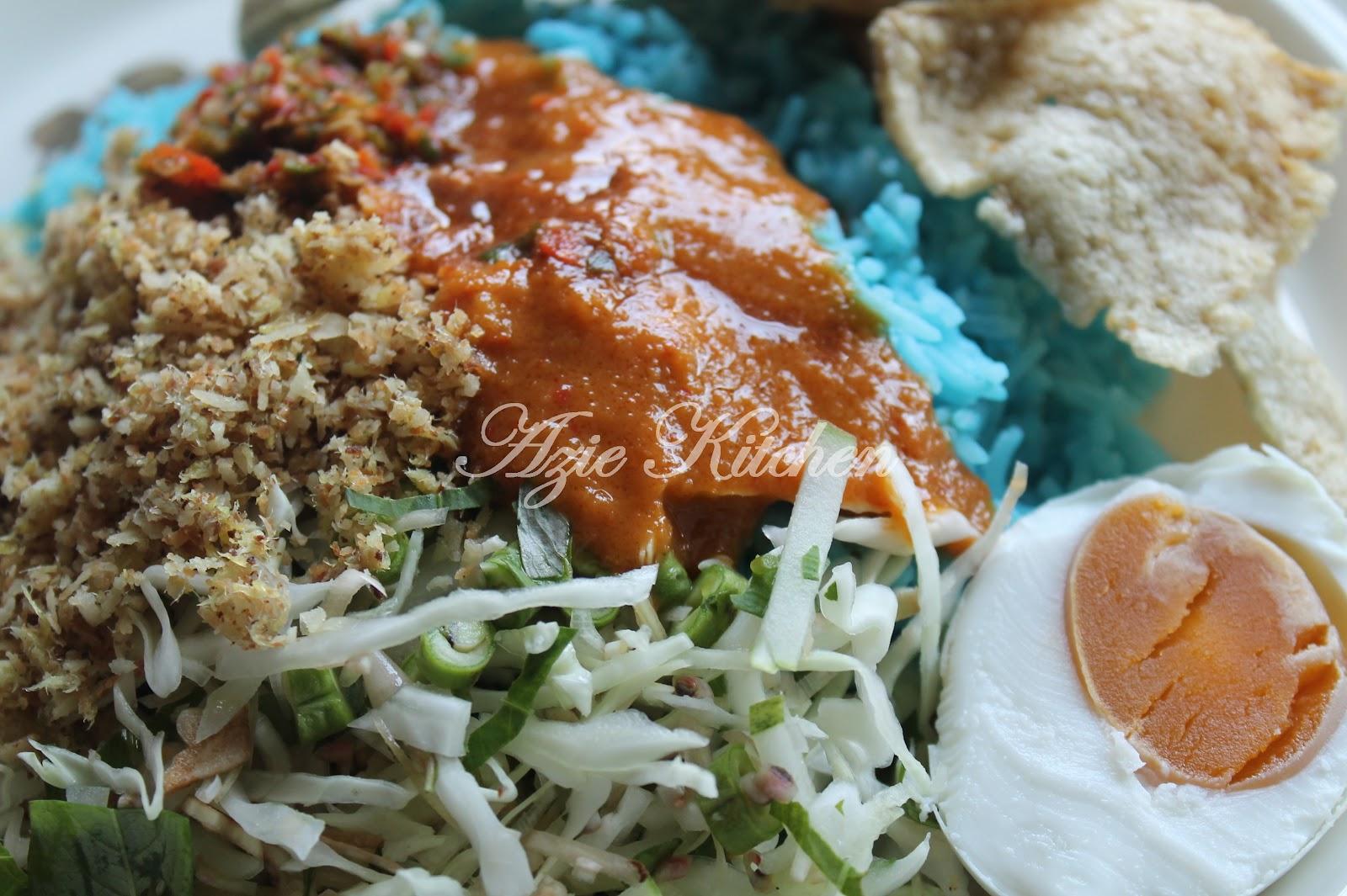 Nasi Kerabu Kelantan - Azie Kitchen