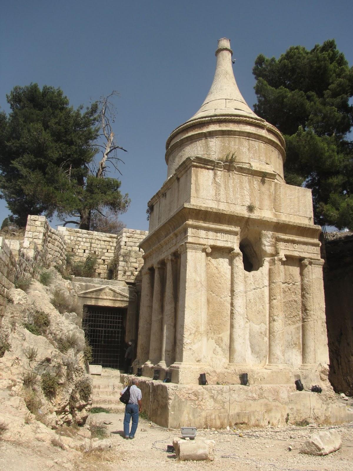 Israel, Jerusalén - Tumba de Absalom en el Valle del Cedrón