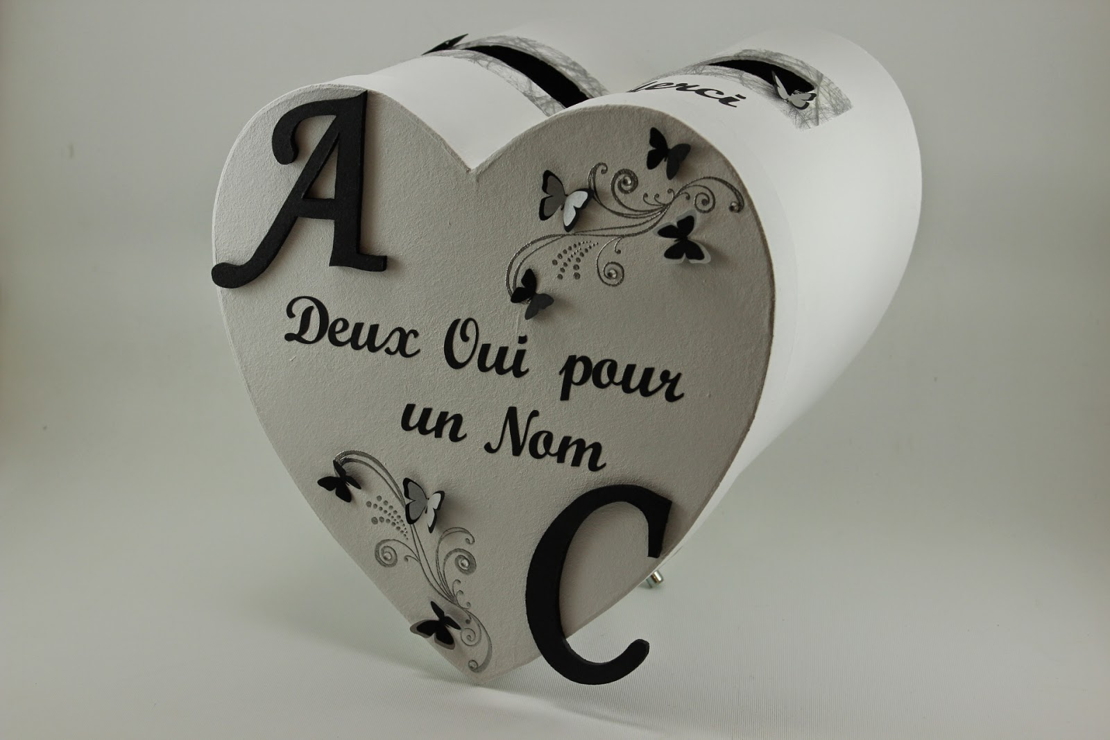 Urne de mariage noire et blanche th me papillons l for Decoration urne de mariage