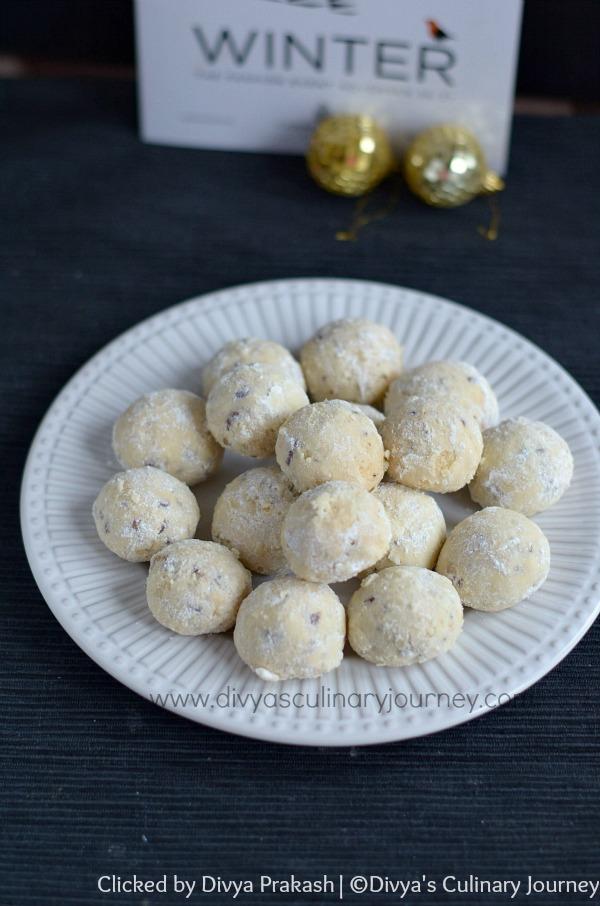 snowballs, butter balls, pecan butter balls