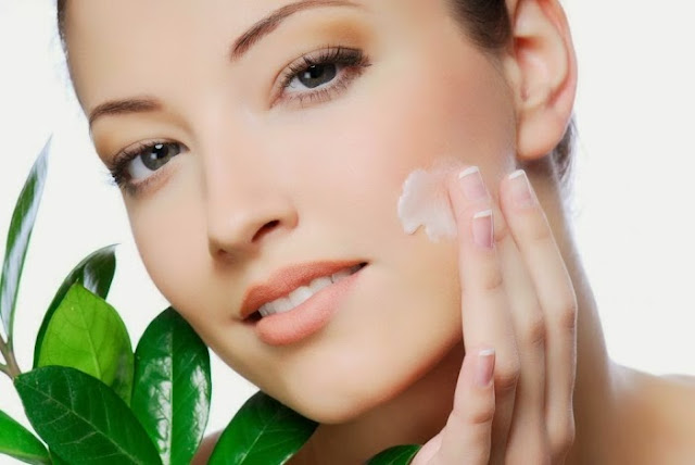 Cilt bakımı nasıl olur,Cilt bakımı, Göz,Cildimiz için gerekli vitaminler,Cilt hastalıkları,Ergenekon,kozmetikler,Vitamin A, vitamin E,