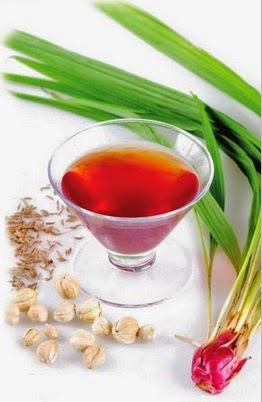 Buku Tanaman Obat Indonesia disebutkan bahwa kandungan bawang dayak
