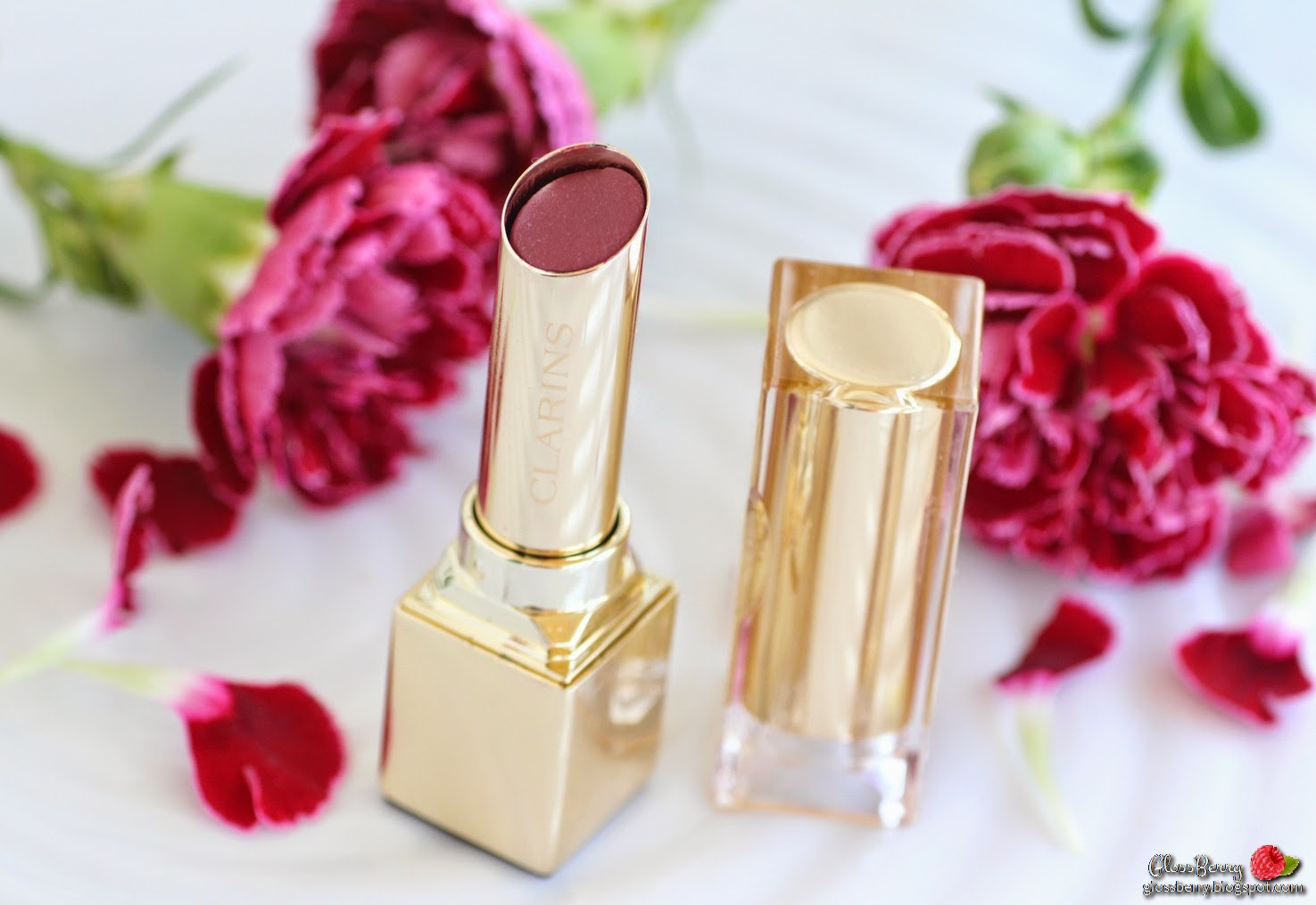 Clarins - Rouge Eclat - 06 True Aubergine review swatches lipswatch lips plum winter lipcolor beauty blog גלוסברי בלוג ביוטי איפור וטיפוח שפתון קלרינס מומלץ לסתיו חורף שזיף חציל סגול סקירה