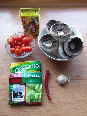 Pieczarki grillowane z pomidorami i fetą - składniki