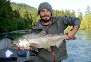 Rogue-river-Oregon-fishing