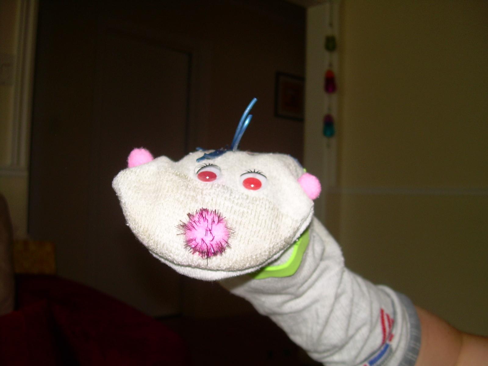 La grenouille active marionnette chaussette - Comment faire une marionnette ...