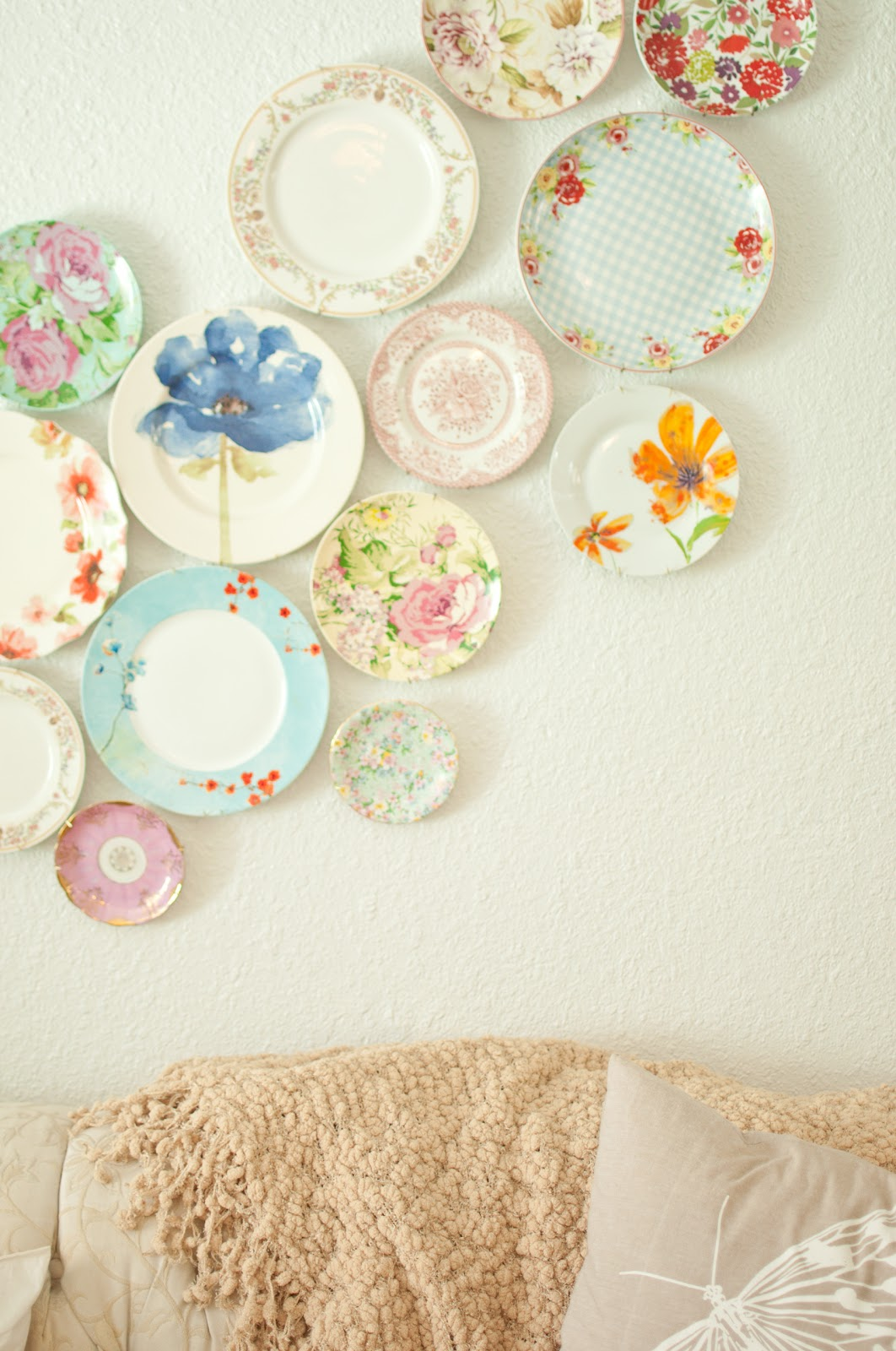 A Woman 39 S Haven Planning For A Kitchen Plate Wall