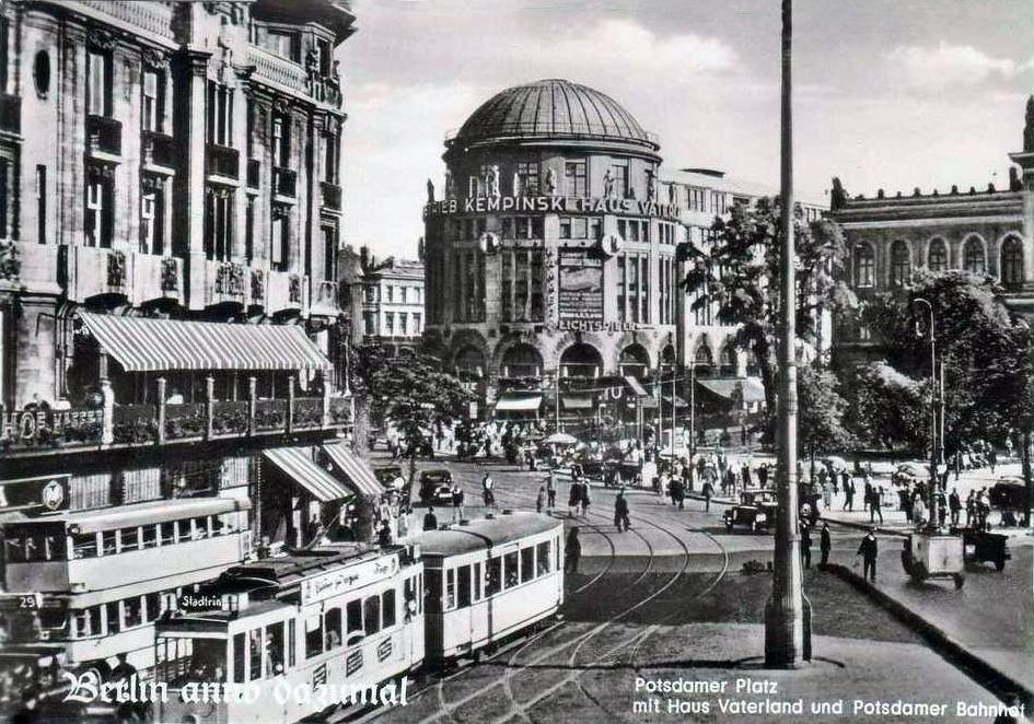 Berlin+Postdamer+Platz.jpg