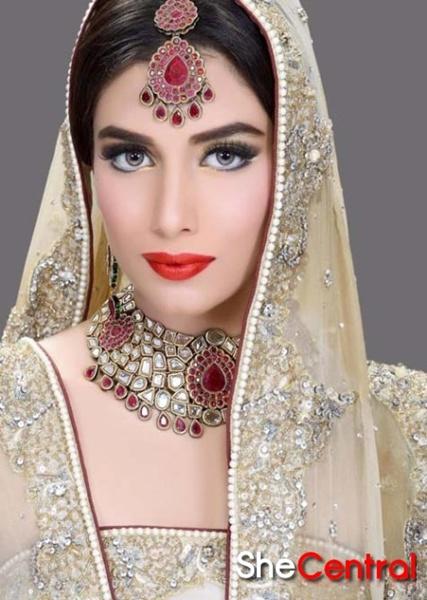 Light Bridal Makeup : Bridal Makeup Trends 2013 Bride Makeup Tips Wedding Makeup