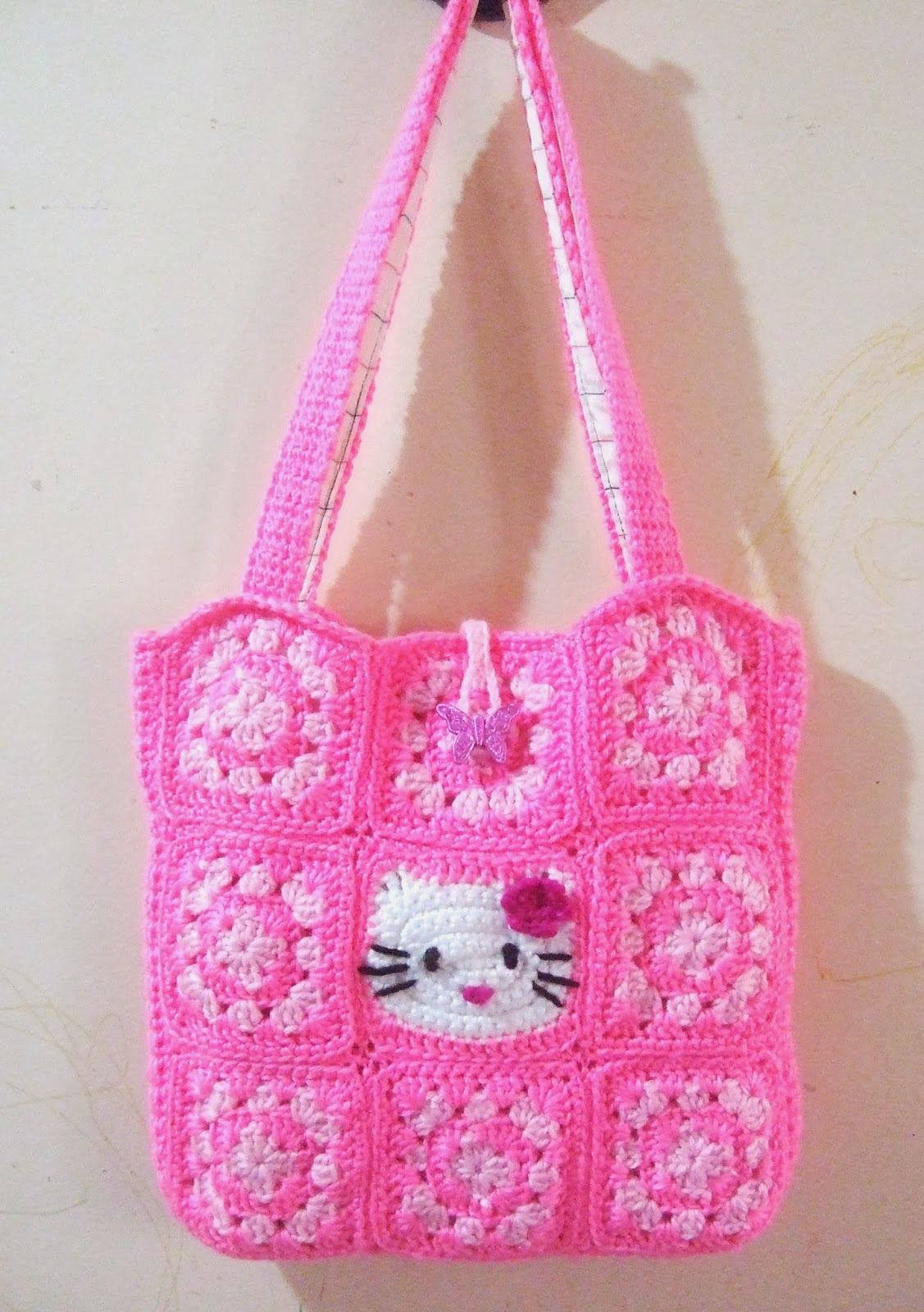Crochet Purse Patterns Hello Kitty : Another Cup of Coffee: My Hello Kitty Crochet Tote Bag
