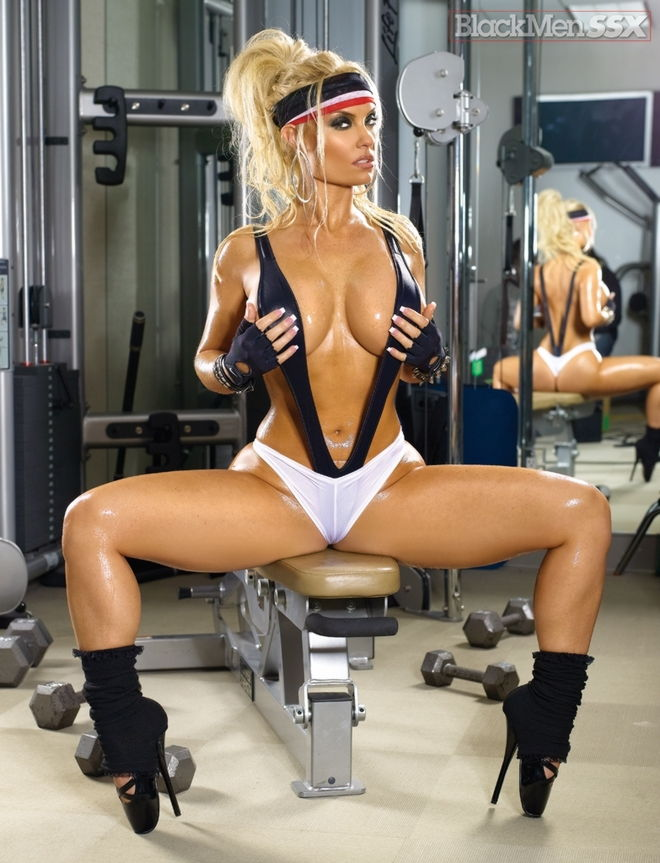 coco austin nude gym