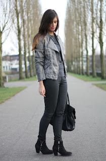http://4.bp.blogspot.com/-aOG-eUFgAsM/T3oSbfIDI7I/AAAAAAAAA8Q/vJhgwx-p_rM/s1600/Outfit+sport+chic+sporty+chic+look+perforated+biker+jacket+sportswear+trend.jpg