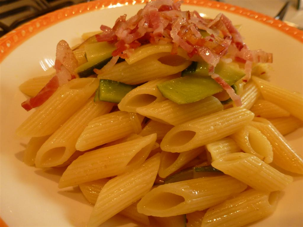pennette Barilla con zucchine e pancetta