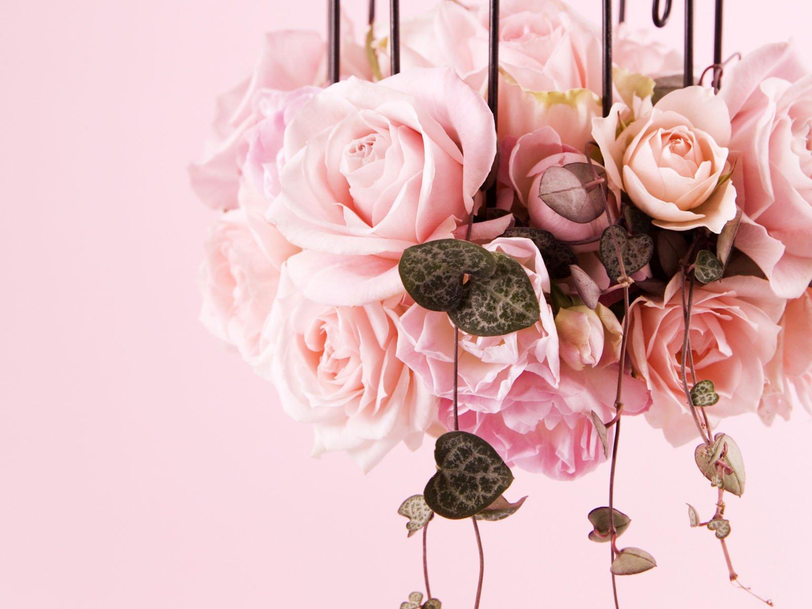 http://4.bp.blogspot.com/-aOPJHo_kvmw/TqWWOnGa7QI/AAAAAAAAB6s/fBsFZqo1yWU/s1600/Decorative_roses_bouquets.jpg