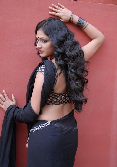hari priya new saree unseen pics