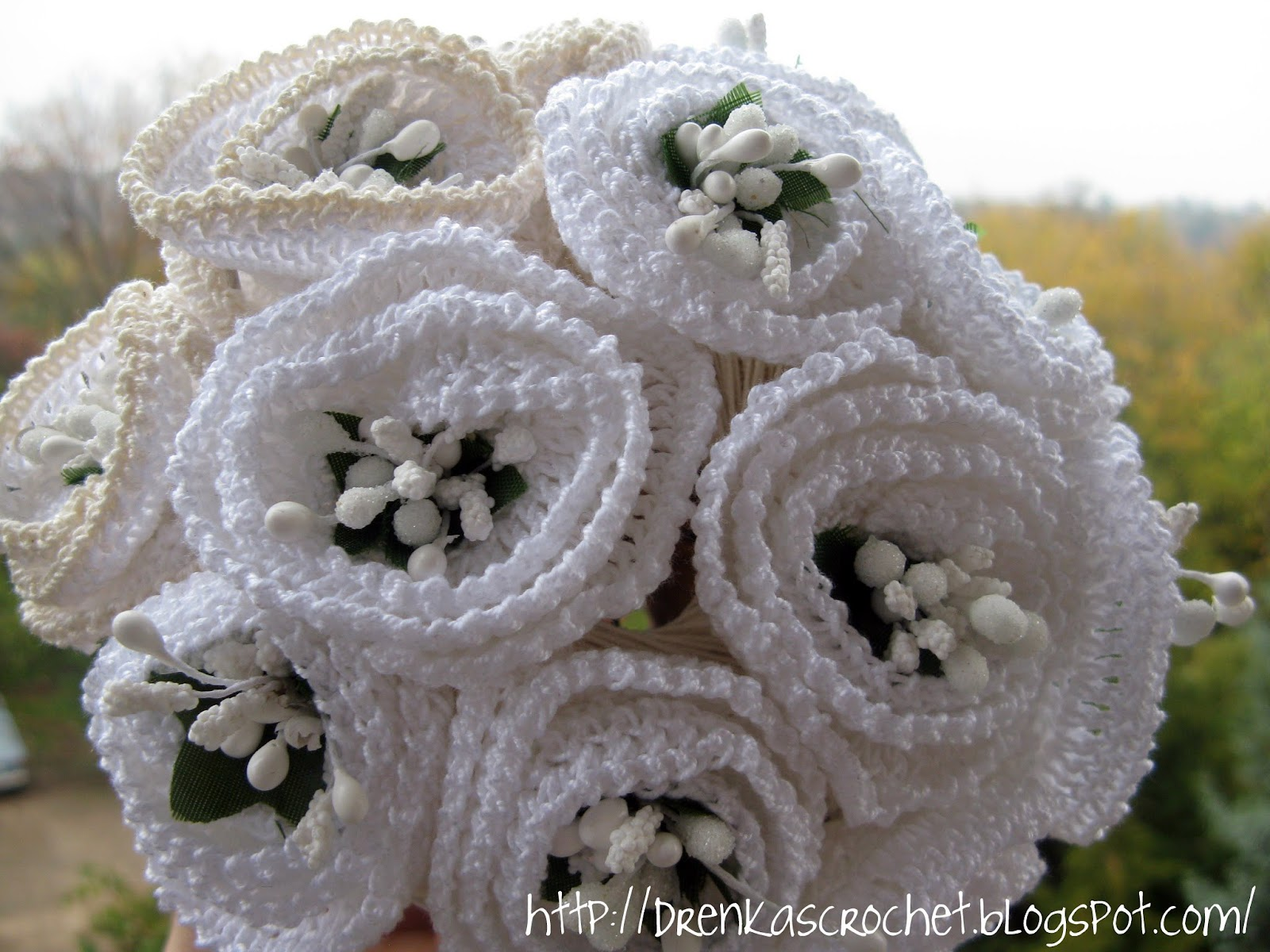 Drenkas crochet crocheted flowers and a crocheted flowers and a possibly a wedding bouquet izmirmasajfo