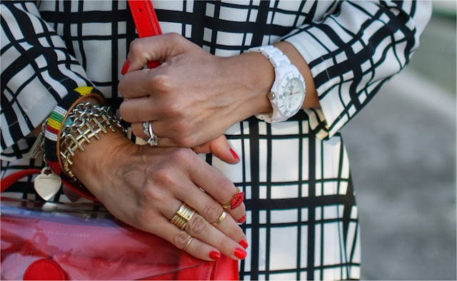H&M phalanx rings, Essie nail polish, BVLGARI BZero ring, Fashion and Cookies, fashion blogger