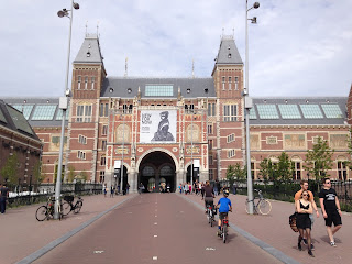 cycling in Amsterdam through the Rijksmuseum
