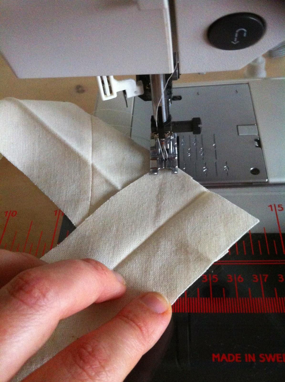 schuine naad naaien voor afwerkbies quilt