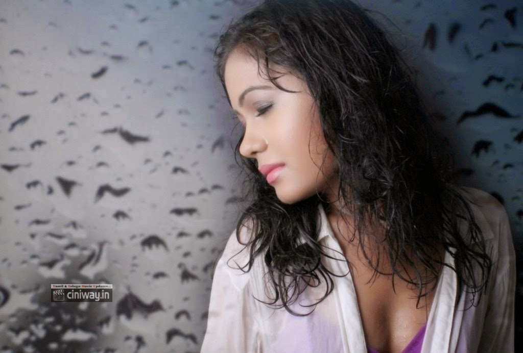 Pamela-Mehta-Photoshoot-Stills