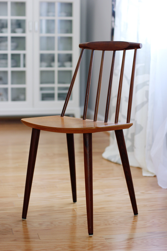 Mid century dining chair designed by Folke Palsson for FDB Mobler J77