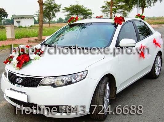 Cho thuê xe cưới màu trắng KIA Forte giá rẻ tại Hà Nội
