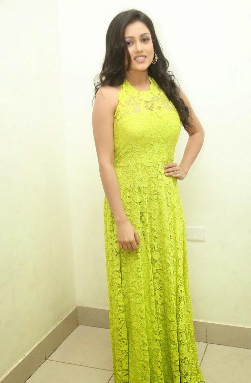 Mishti Chakraborty Beautiful Spicy Beauty in Neon Color attractive Dress at Chinnadana Nee Kosam Audio