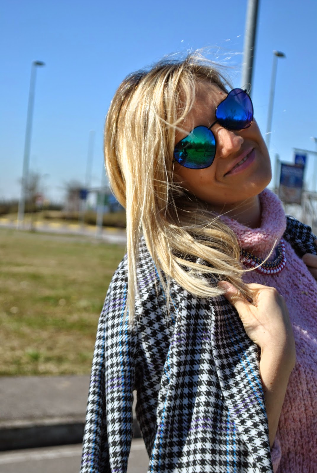 outfit cappotto oversize outfit jeans grigi outfit maglione rosa outfit maglione a collo alto outfit scarpe blu mariafelicia magno color-block by felym come abbinare il rosa outfit rosa come abbinare il maglione a collo alto outfit grigio outfit jeans skinny come abbinare il grigio outfit scarpe blu come abbinare il blu abbinamenti blu outfit blu majique mariafelicia magno fashion blogger ragazze bionde fornarina majique jewels couture zara outfit invernale outfit invernale ragazza fashion blogger italiane blog di moda italiani girls winter outfits skinny jeans outfit grey outfit blue heels fashion bloggers italy colorblock by felym