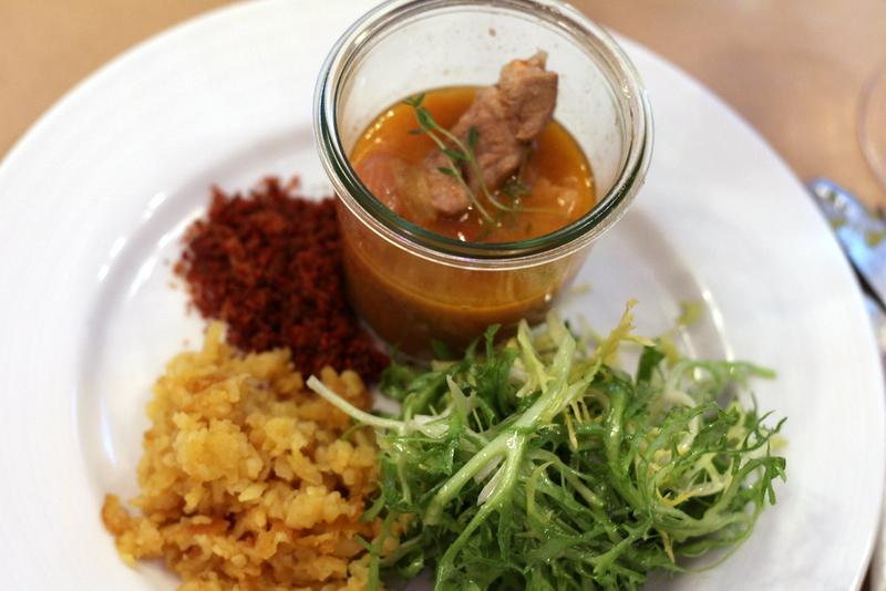 Schwein, Endivie, Kartoffel beim summer of supper, Marieneck in Köln | Arthurs Tochter Kocht by Astrid Paul