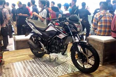 Honda CB150R Streetfire Racing Black
