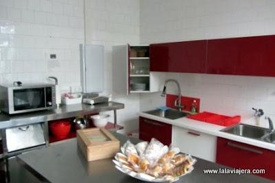 Cocina Hostal Five Gates, Osuna